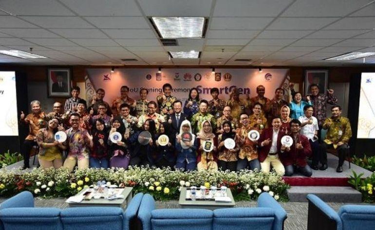 276-penandatanganan_mou_huawei_indonesia_dengan_para_rektor_dari_tujuh_universitasnetralnewschris-718x452.jpg
