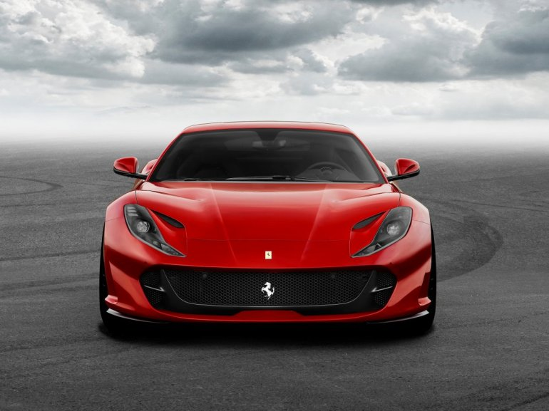 ferrari-812-superfast.jpg